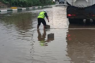 أمطار غزيرة على بارق والبلدية تنزح المياه - المواطن