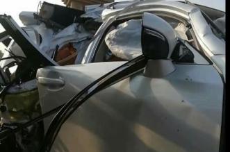 وفاة قائدة سيارة ومرافقتها في حادث مروع - المواطن