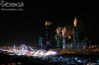 شاهد الصور.. الألعاب النارية تضيء سماء الرياض - المواطن