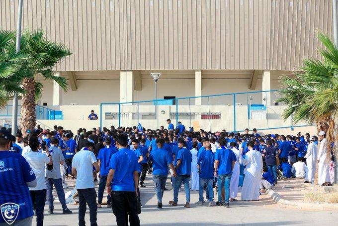 قبل أكثر من ساعة .. #الهلاليون يتوافدون على محيط الرعب - المواطن