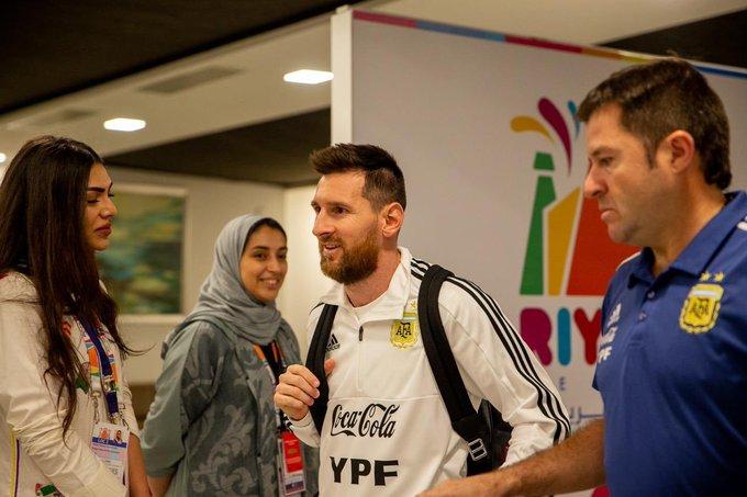 ميسي يصل إلى الرياض