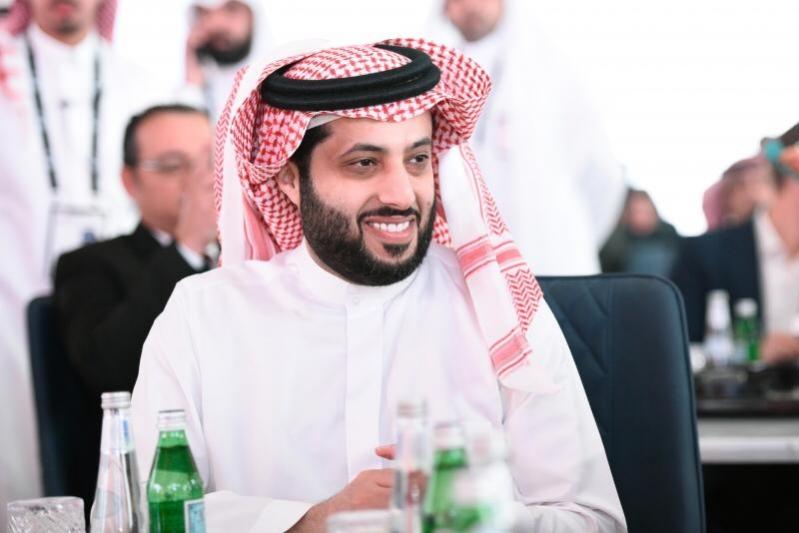 تركي آل الشيخ يطمئن محبيه : أنا بخير والحمد لله