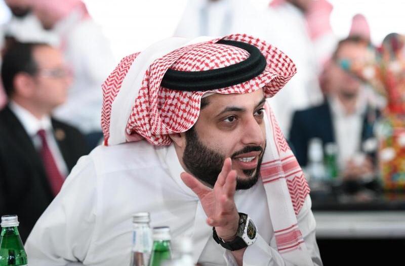 تركي آل الشيخ : سارعوا لأخذ اللقاح وإلا سيكون العيد عبر النت