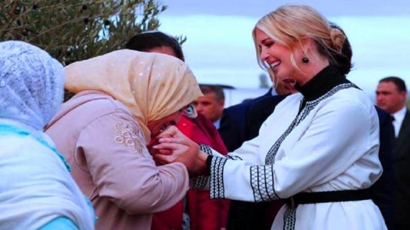 فيديو.. الفلاحة المغربية التي قبّلت يد إيفانكا تدافع عن نفسها