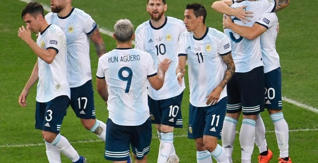 ميسي يقود تشكيلة الأرجنتين