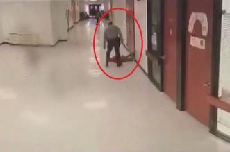 فيديو.. اعتداء وحشي من ضابط أمن على طفل - المواطن