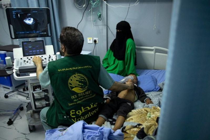 25 جراحة قلب يجريها فريق مركز الملك سلمان بالمكلا