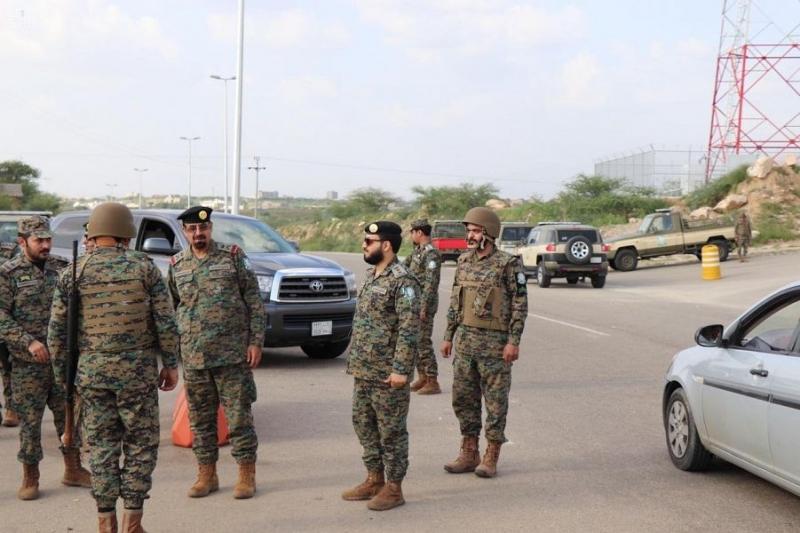 القحطاني يتفقد الأفواج الأمنية في جازان الافواج الامنية 4