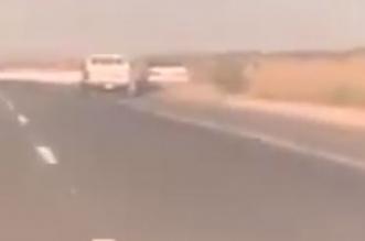 فيديو.. سائق متهور يتسبب في انقلاب كامري وإصابة 3 - المواطن