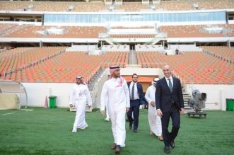 رئيس هيئة الرياضة وروبياليس يتفقدان جاهزية ملعب الجوهرة - المواطن