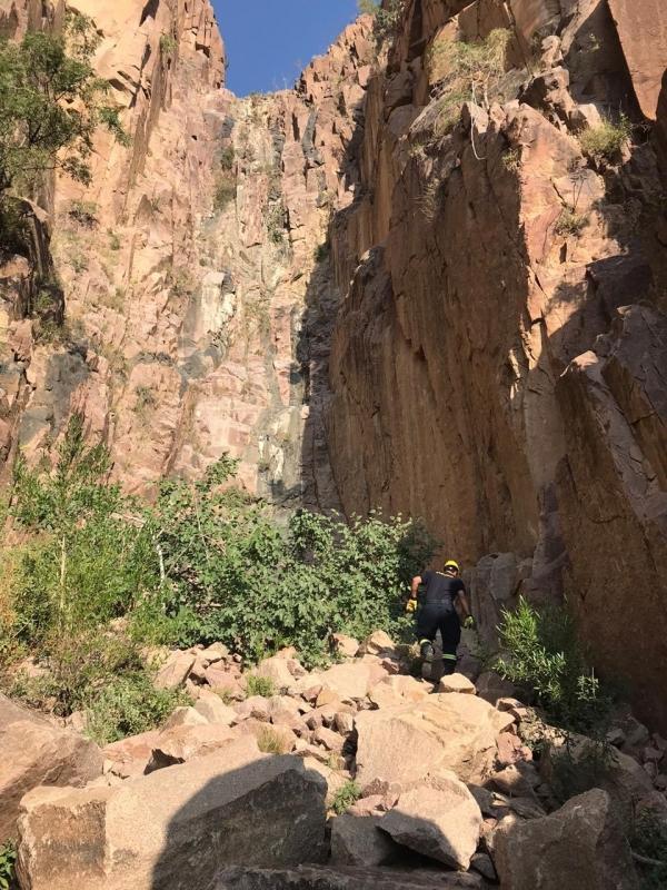 سقوط شخص من فوق جبل بالجوه في #سراة_عبيدة