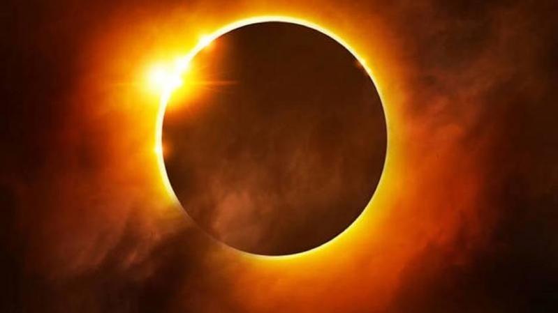 """استشاري عيون لـ""""المواطن"""": النظر لكسوف الشمس يتلف البصر"""