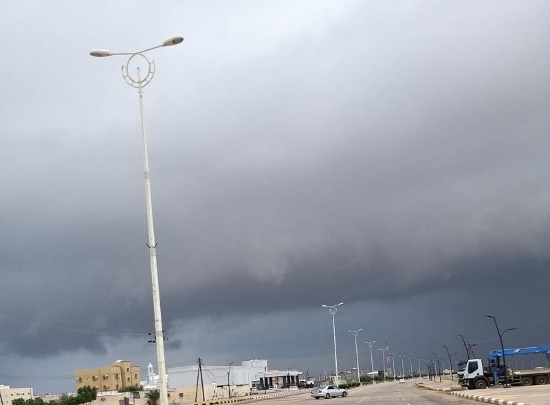 شاهد جريان الأودية وتدفق الشلالات بعد أمطار جازان - المواطن