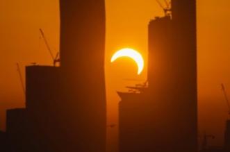 كيف يحدث كسوف الشمس وعلاقته بالأرض والقمر؟ - المواطن