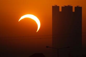 لقطات جمالية من كسوف الشمس في الرياض - المواطن