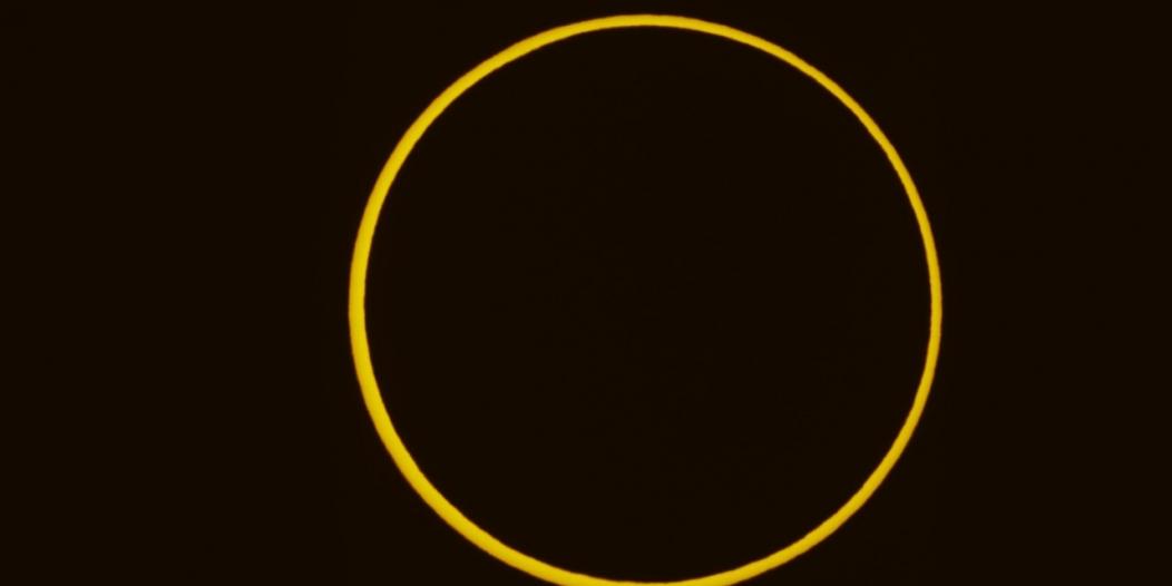 لقطات لـ كسوف الشمس اليوم