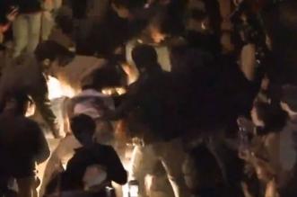 فيديو.. متظاهر لبناني يشعل النار في نفسه - المواطن