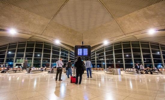 الطقس يُغلق مطار الملكة علياء في الأردن