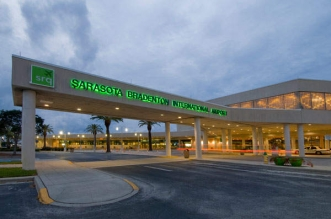فيديو.. حادث مروع بأحد مطارات ولاية فلوريدا - المواطن