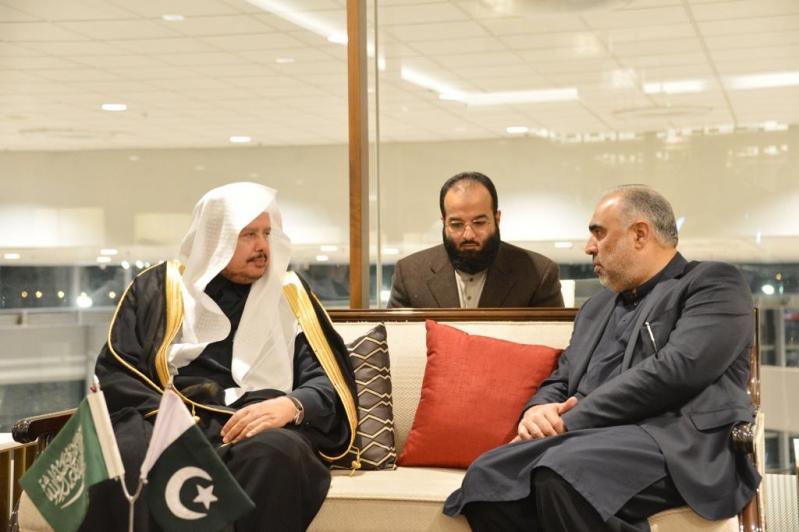 رئيس الشورى يبحث تعزيز العلاقات البرلمانية في #باكستان