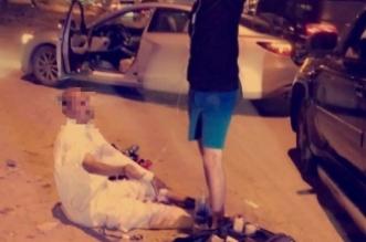 """مسعف يكشف لـ""""المواطن"""" تفاصيل إنقاذ مسن وسط الطريق بـ #الخبر - المواطن"""