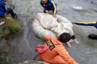 عشرات القتلى والجرحى جراء سقوط حافلة في نهر بإندونيسيا - المواطن