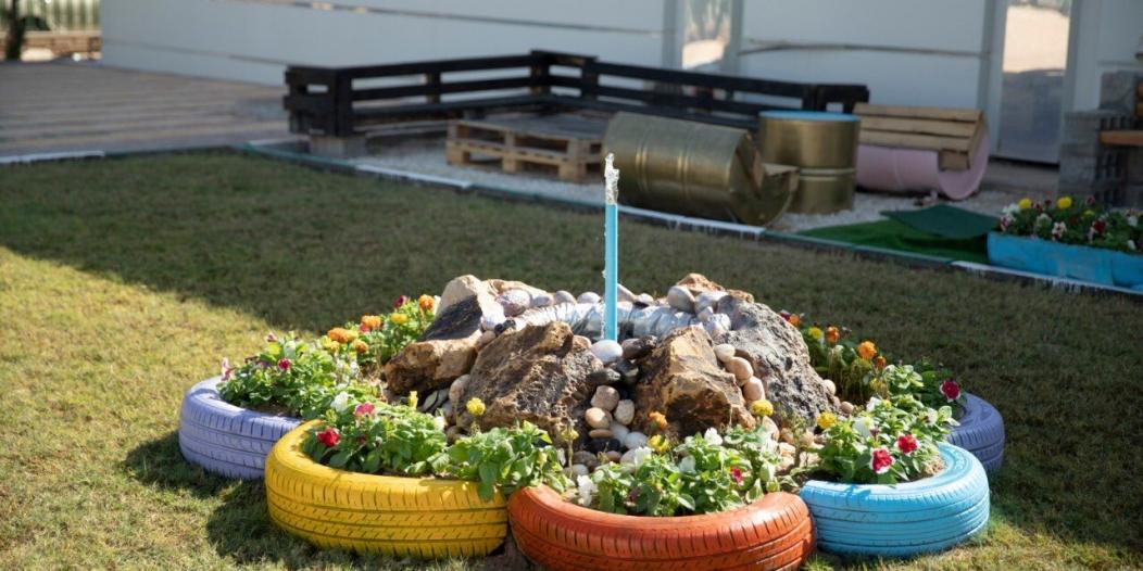 مواطن ينشئ حديقة التدوير في حفر الباطن
