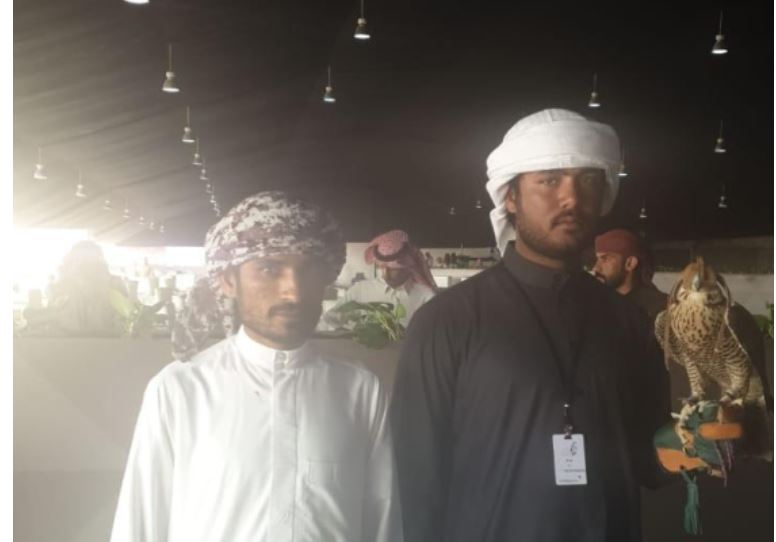 صقّارون يحتفلون باليوم الوطني الإماراتي على طريقتهم
