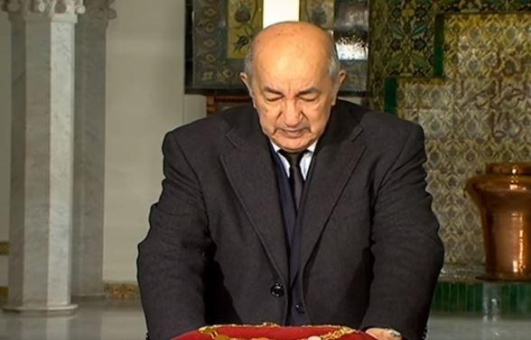فيديو.. رئيس الجزائر يبكي قايد صالح