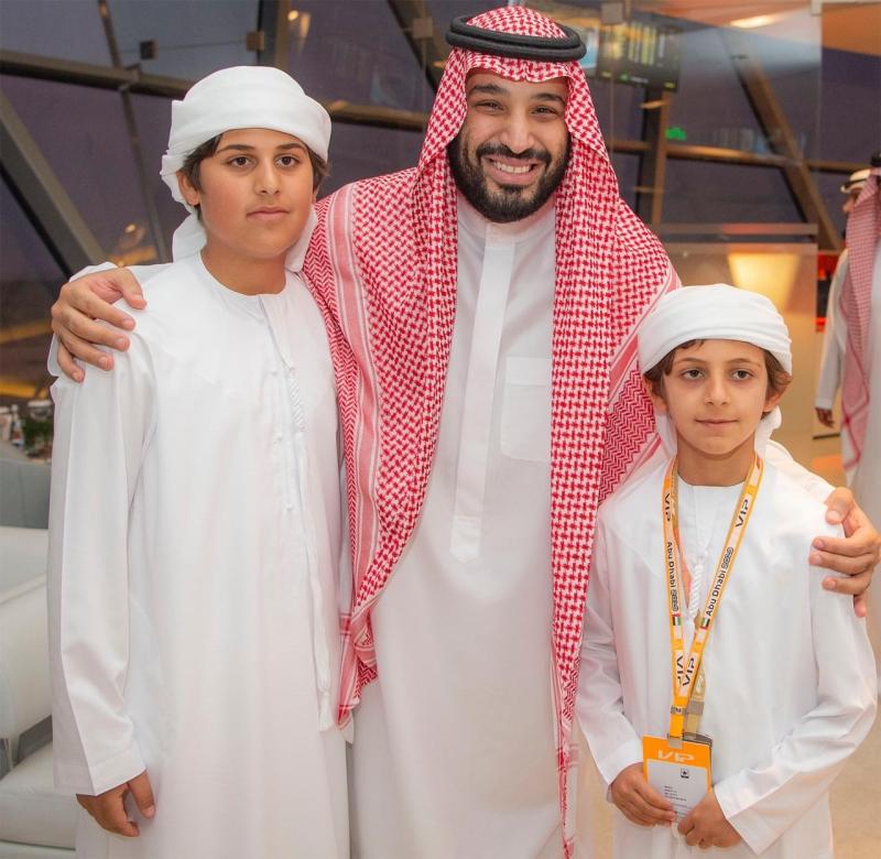 محمد بن سلمان يشهد سباقات الفورمولا 1 في #أبوظبي - المواطن