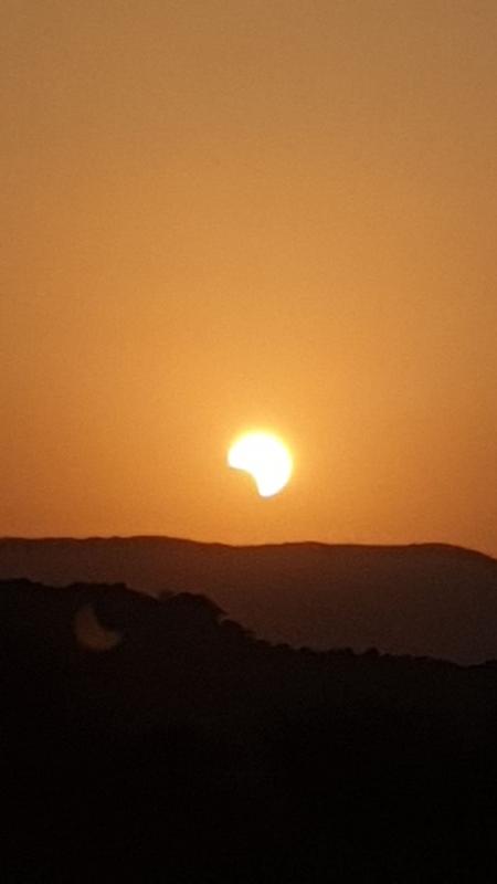 لقطات من كسوف الشمس في جازان