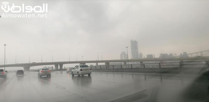 توقعات باستمرار هطول الأمطار الرعدية اليوم على 10 مناطق