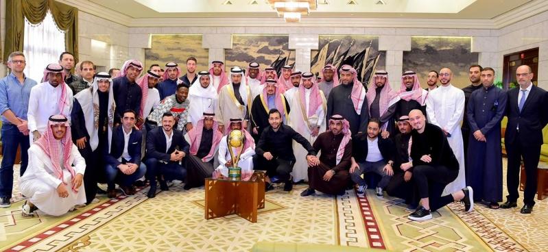 أمير الرياض يستقبل رئيس وأعضاء نادي النصر احتفالًا بالسوبر - المواطن