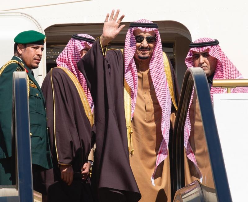 الملك سلمان يغادر إلى عمان لتقديم العزاء في السلطان قابوس