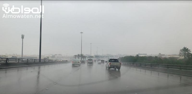 تقلبات جوية وأمطار غزيرة وسيول بجازان.. والمدني يحذر