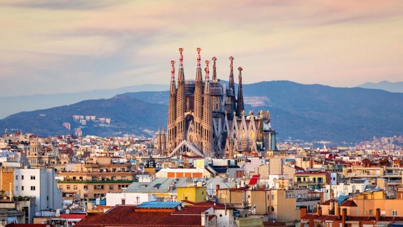 تتميز بجوها الدافئ.. أماكن لا تفوت زيارتها في إسبانيا