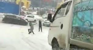 فيديو.. رجل ينقذ فتاة من الدهس أسفل شاحنة - المواطن