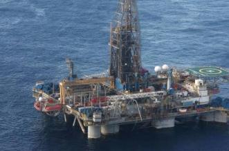 آلات تنقيب عن النفط