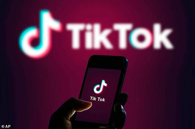 TikTok يطلق مبادرة #LearnOnTikTok لتشجيع التعلم أثناء الإغلاق
