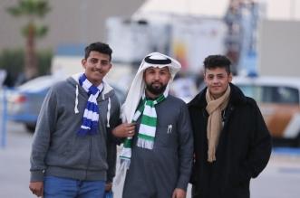 صور.. توافد جماهير الهلال والأهلي إلى ملعب الجامعة - المواطن