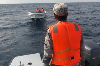 حرس الحدود ينقذ مواطنًا ومرافقه تعطل قاربهما في عرض البحر - المواطن