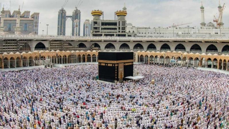 المملكة تحمي الداخل والخارج بتعليق دخول مواطني التعاون إلى مكة والمدينة