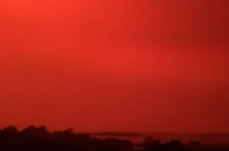 سماء دامية بسبب حرائق الغابات في استراليا