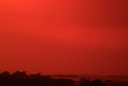 سماء دامية بسبب حرائق الغابات في أستراليا