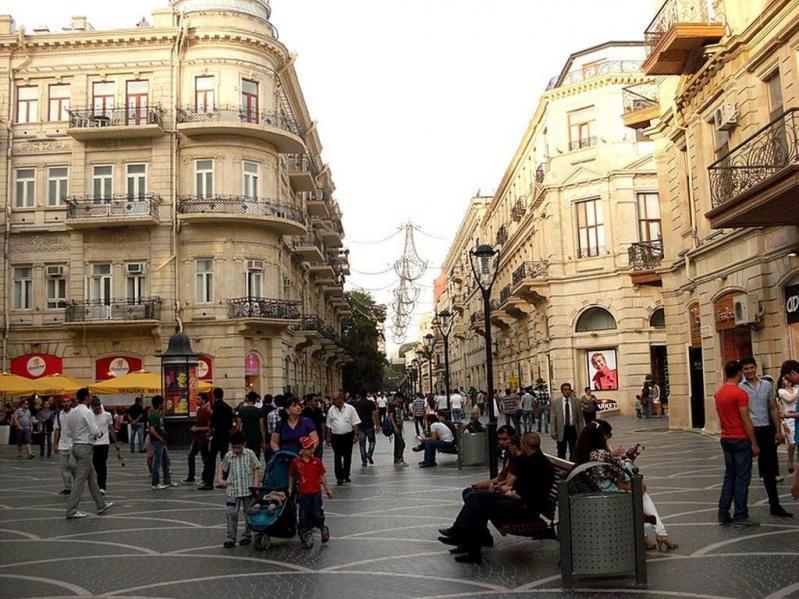 شارع نظامي في باكو
