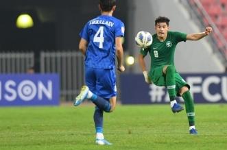 عبدالله الحمدان في مباراة السعودية وأوزبكستان