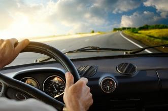 أسوأ السائقين في العالم.. أحدهما يقود بإطار سيارة على رأسه! - المواطن