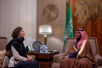 ولي العهد يستعرض المبادرات والبرامج السعودية الثقافية مع مديرة اليونسكو