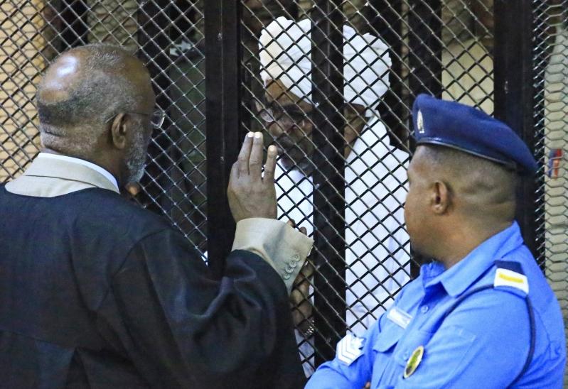 محكمة سودانية تؤيد قرار سجن عمر البشير عامين