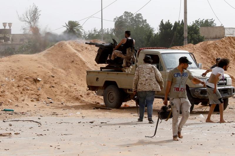 ماكرون يتهم تركيا بالمسؤولية التاريخية والإجرامية في ليبيا - المواطن